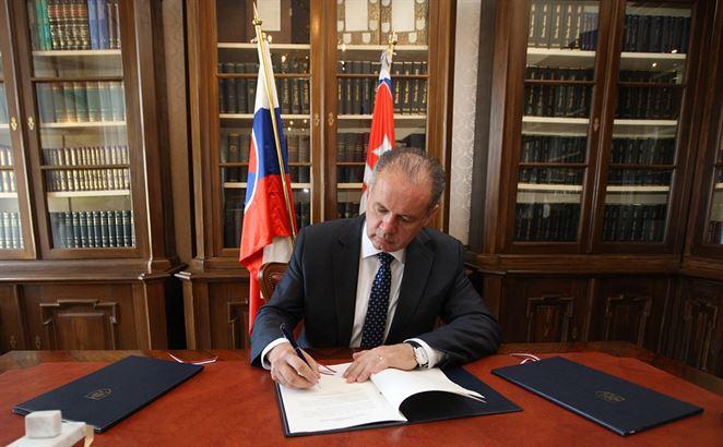 Kiska podpísal Lex Žitný ostrov