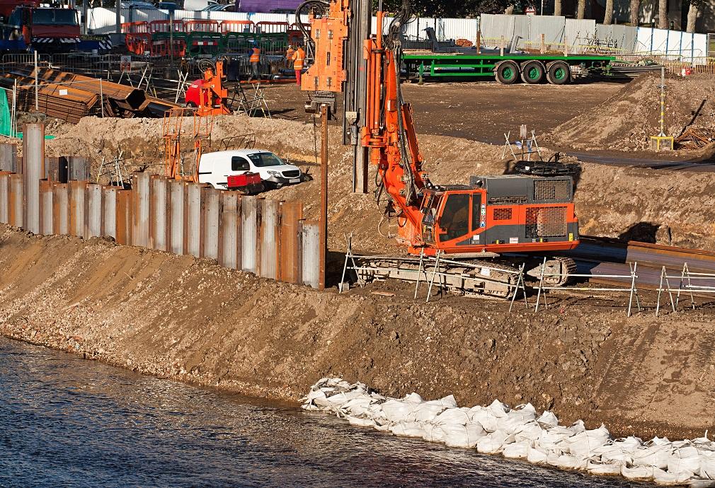 V projektoch protipovodňovej ochrany treba narábať hospodárnejšie, tvrdí NKÚ