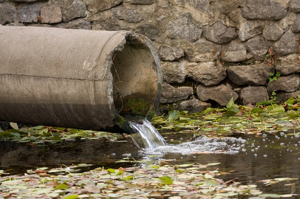 Plán obnovy nepočíta s investíciami do vodovodov a kanalizácií. Mestá a obce to kritizujú