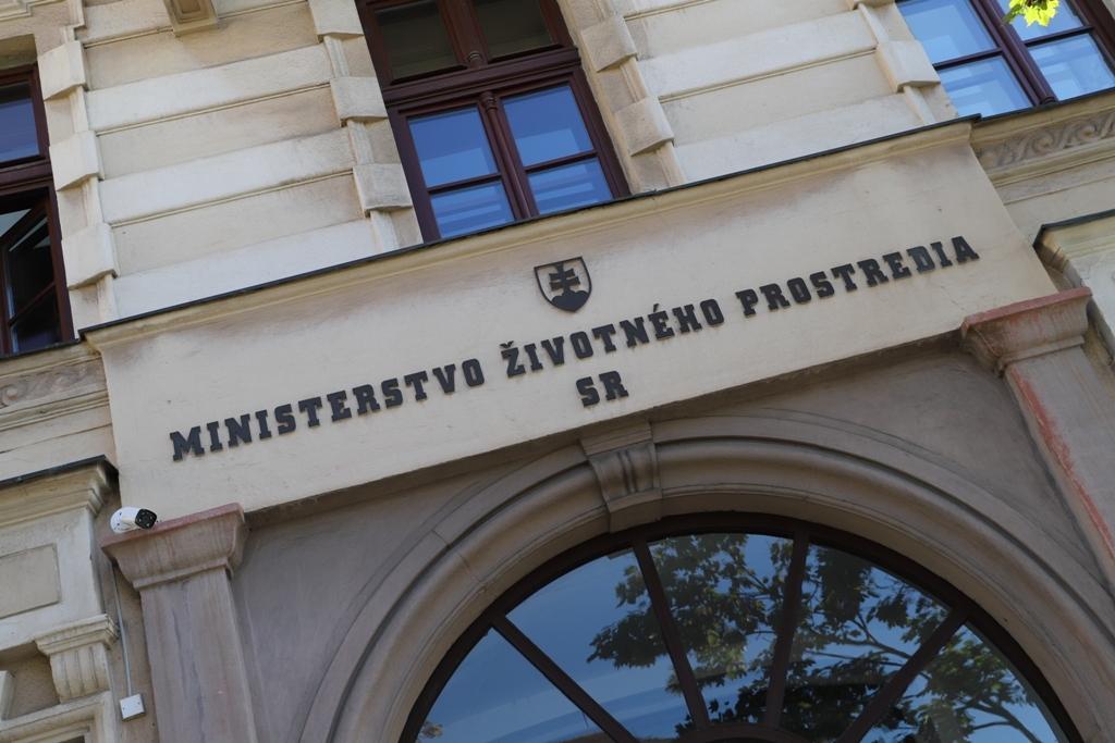 MŽP: Poslanecký návrh nezvýši ochranu obyvateľov a zbytočne zaťaží verejné zdroje