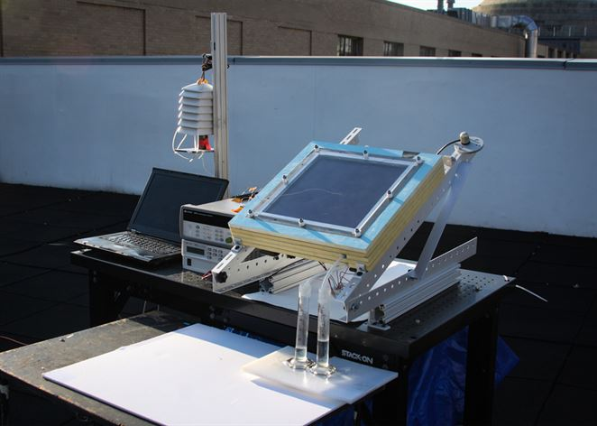 Nový systém extrahuje pomocou solárnej energie pitnú vodu zo vzduchu