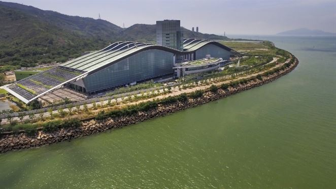 V Hongkongu vyrástol autonómny závod na spaľovanie splaškového kalu