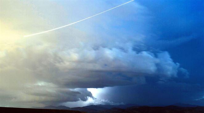 """Namiesto """"chemtrails"""" dážď. Letová prevádzka zvyšuje množstvo zrážok"""