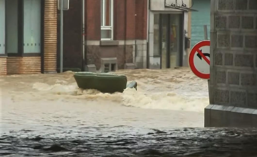 Ničivé záplavy v západnom Nemecku si vyžiadali už viac ako sto obetí