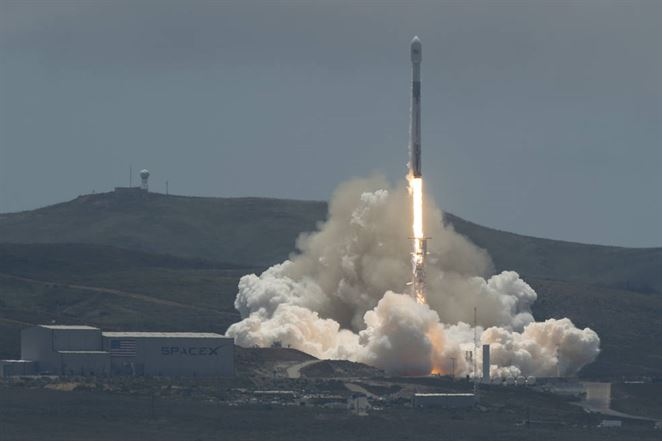 NASA vypustila dve družice, ktoré budú monitorovať pohyb vody na Zemi
