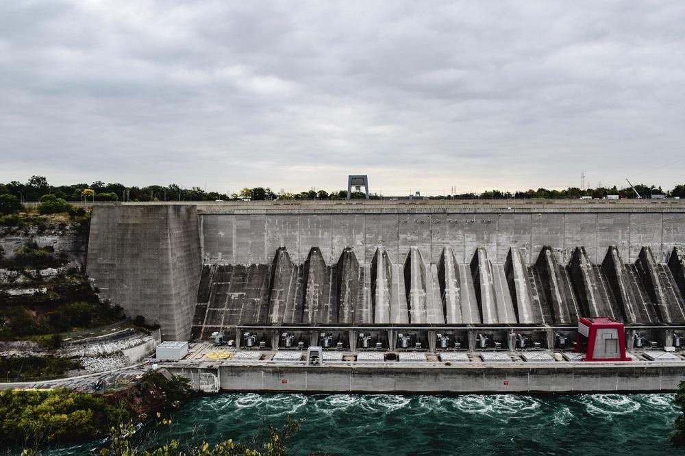 Zmena klímy ohrozí vodné elektrárne na Amazonke