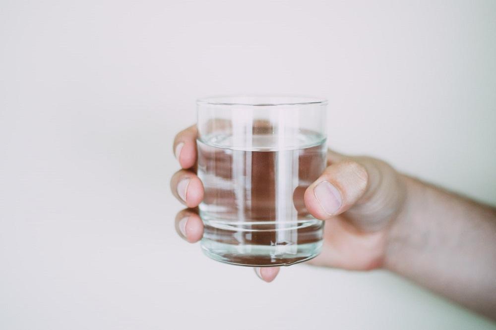 Pri kvalitnej pitnej vode z verejného vodovodu nepotrebujete filtre, hovorí odborníčka