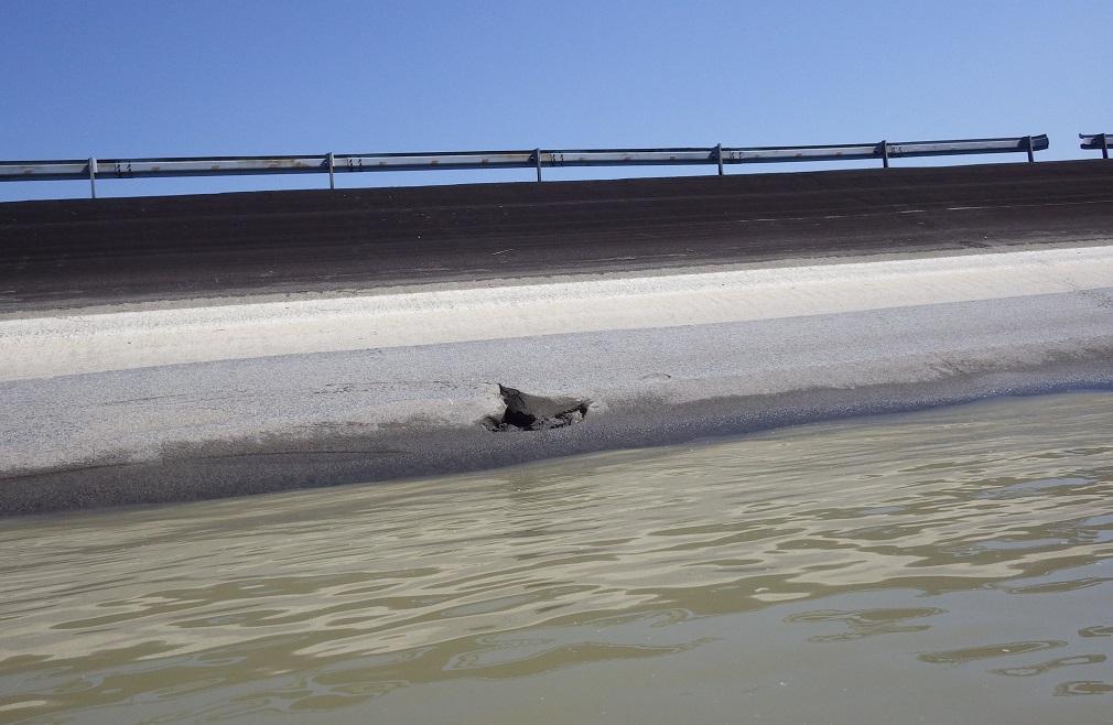 Vodohospodári pre opravy poškodenej hrádze znížia hladinu Dunaja